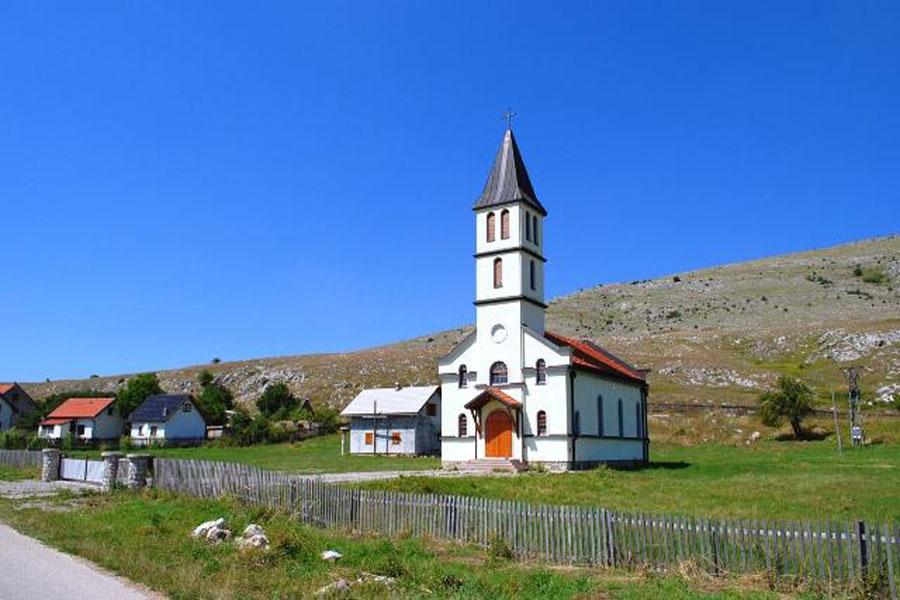 Slikovni rezultat za katolička crkva BOSANSKO GRAHOVO